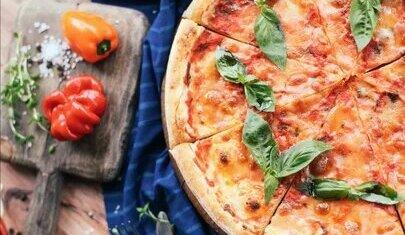 вино и пицца